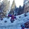 Turistka se vážně zranila při pádu ze zledovatělého srázu
