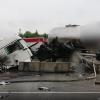 VIDEO: Cisterna na D1 po smyku přerazila betonová svodidla a začala hořet