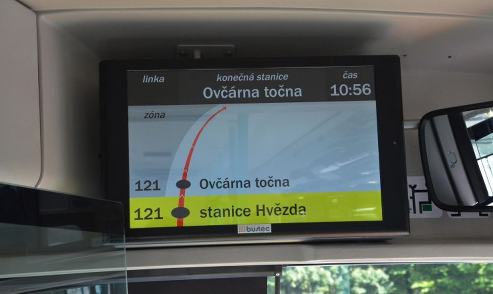 Elektrobus je vybaven vnitřním informačním panelem