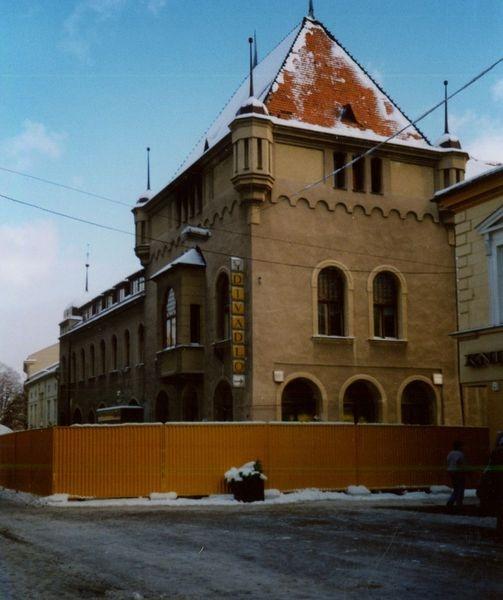 oprava divadla po vyhoření zdroj foto:DŠ