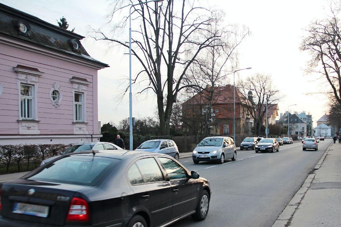 budova bývalé Masarykovy školy je od knihovny na dohled foto:sumpersko.net