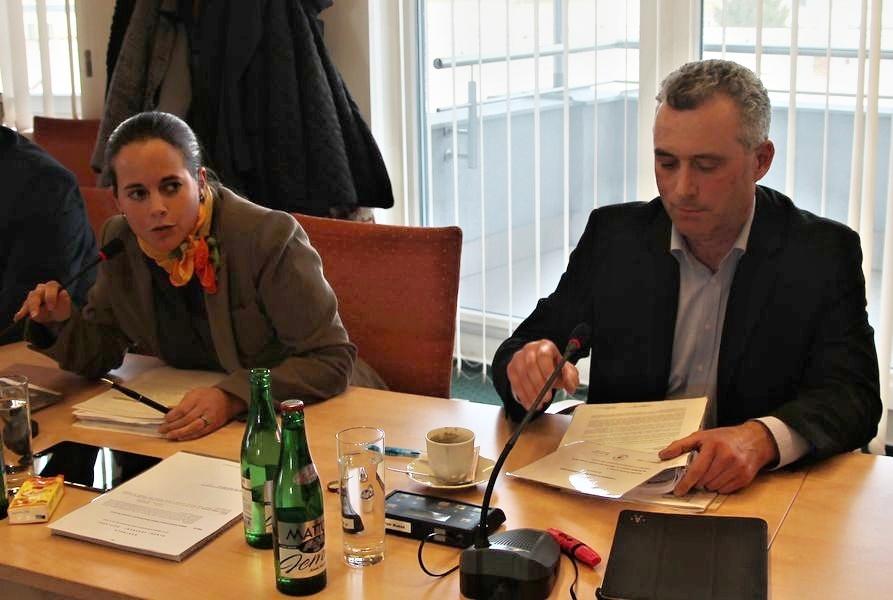 opoziční zastupitelé Zdeňka Dvořáková Kocourková a Petr Blažek