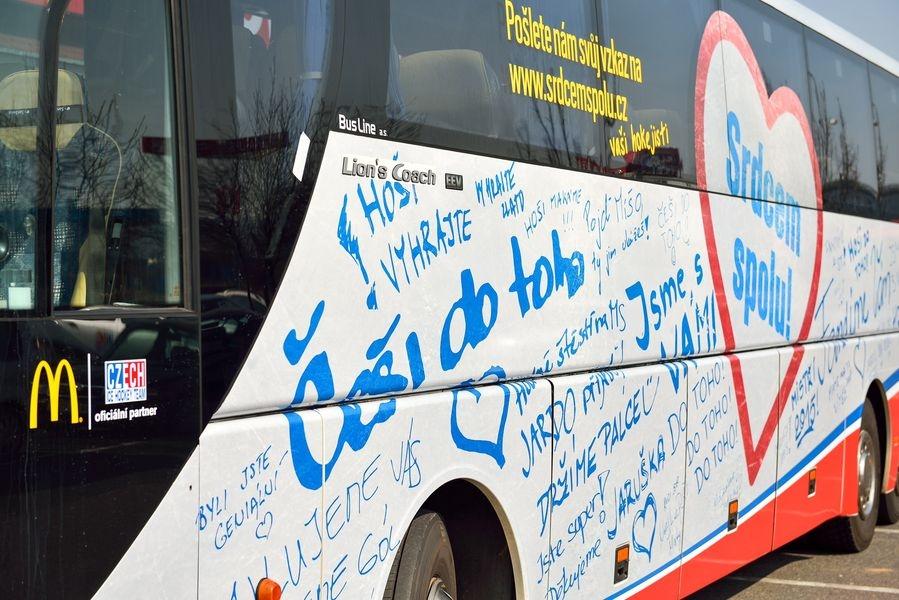 autobus české hokejové reprezentace zdroj foto: H. Penčáková