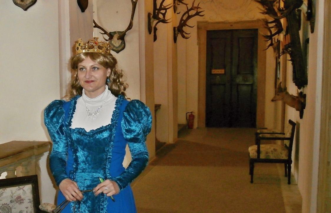 pohádkové bytosti provází na zámku Úsov foto:sumpersko.net