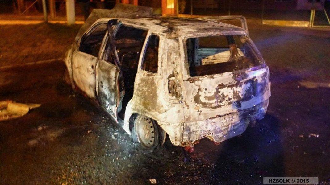 Mohelnice - noční požár vozu zdroj foto: HZS Ok