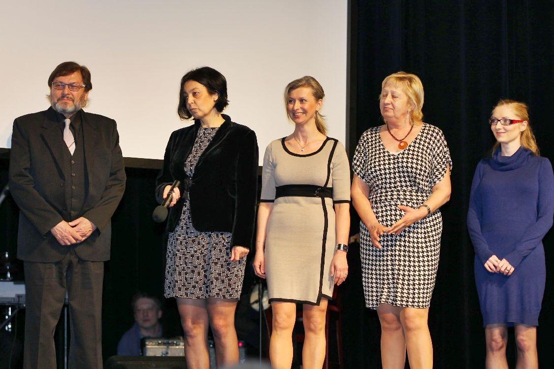 Ceny města Šumperka 2014 - slavnostní večer - ocenění převzaly pracovnice Pomněnky foto: sumpersko.net