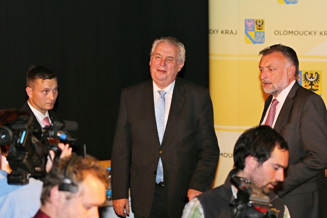 prezident Miloš Zeman po tiskové konferenci v Šumperku foto:sumpersko.net
