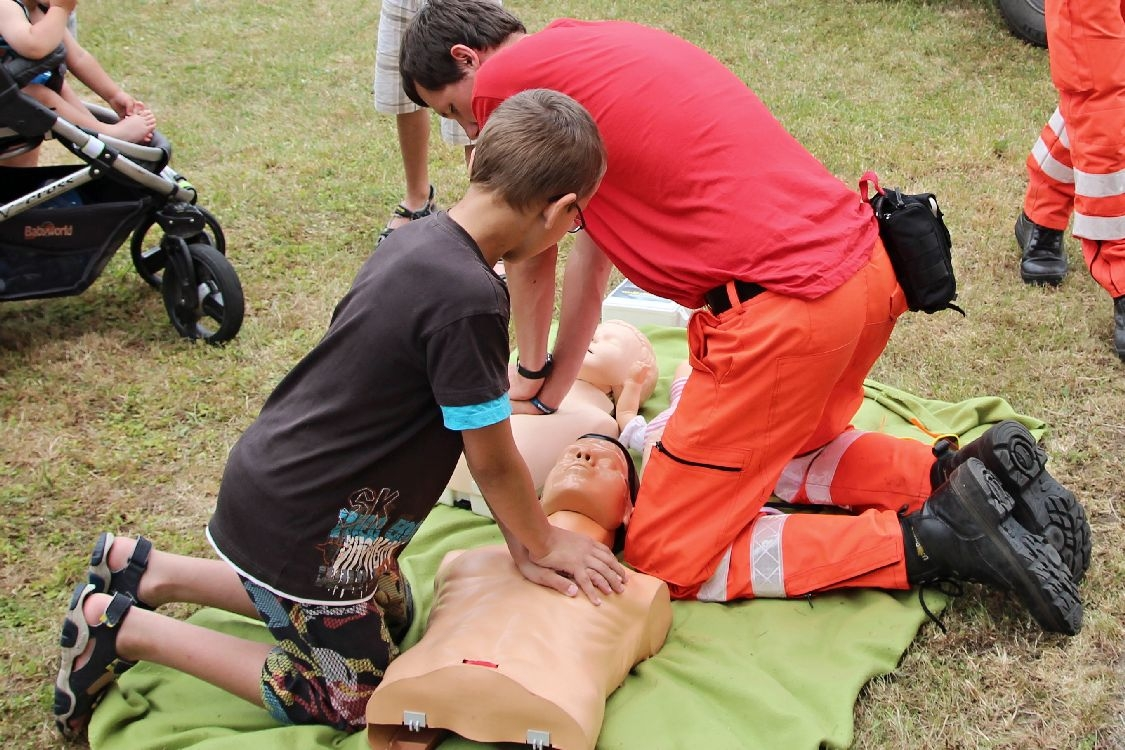 zájemci si vyzkoušeli poskytnout první pomoc foto:sumpersko.net
