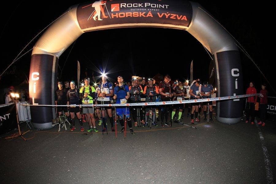 start závodu Long byl pět minut před půlnocí Foto: Patrik Pátek