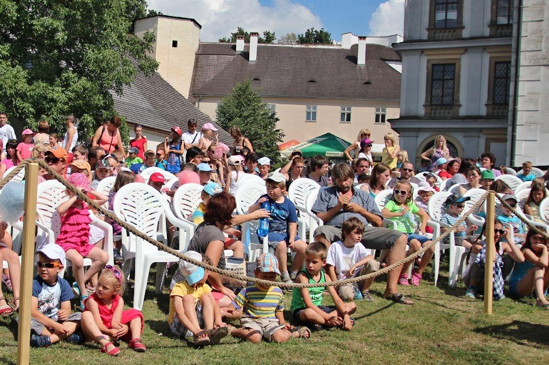 zámek Úsov - červenec 2014 foto: sumpersko.net