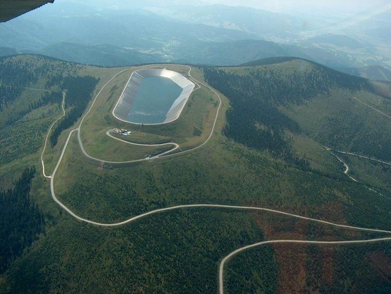 Dlouhé stráně – letecké záběry na kopec, který budou muset závodníci zdolat zdroj foto: V. Sobol