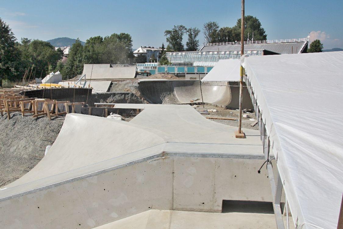 Skatepark Šumperk - staveniště v září foto: sumpersko.net