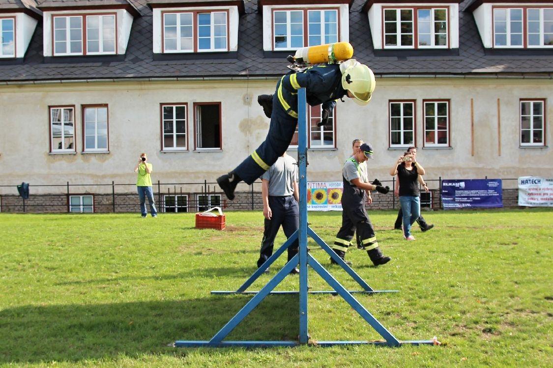 Šumperská liga T.F.A. zdolání dvoumetrové překážky foto: sumpersko.net