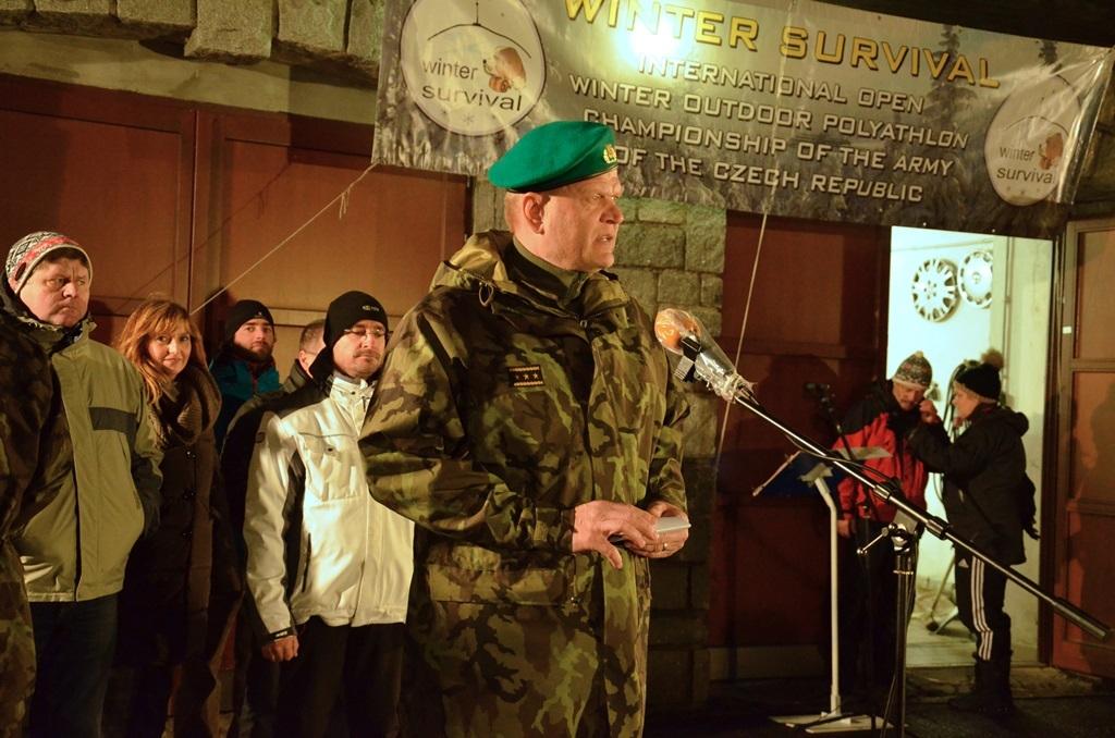 WS 2016 - Generálporučík Josef Bečvář hovoří k účastníkům závodu foto: Jiří Pařízek - Armáda ČR
