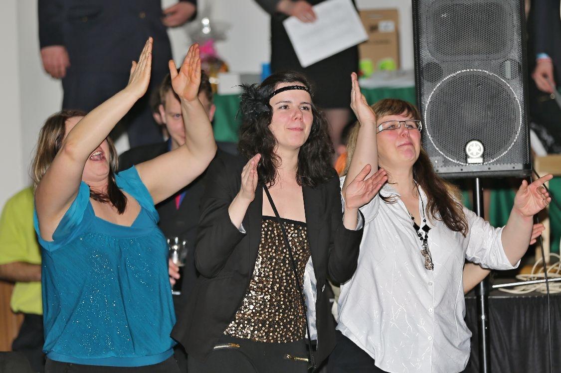 Pochovávání basy - diváci v sále při vystoupení tanečníků foto: sumpersko.net
