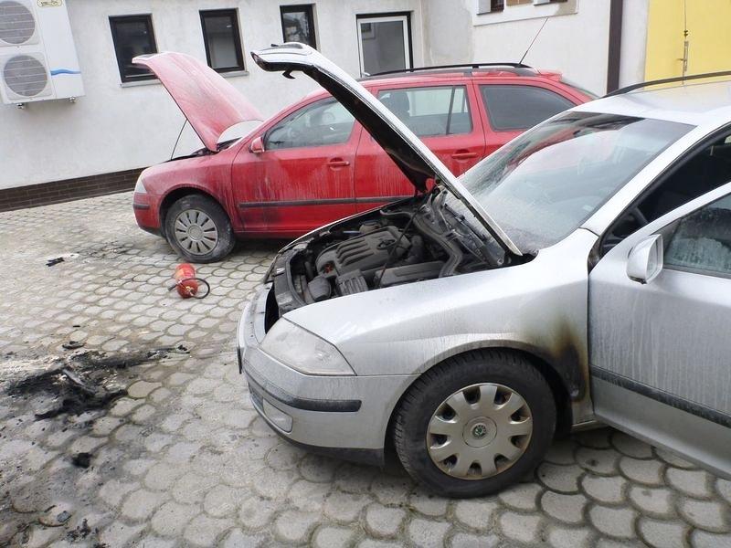 Mohelnice - vozidla poškozená požárem zdroj foto: HZS Olk.
