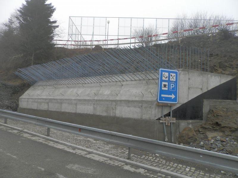 hejtmanství podpoří dostavbu lávky přes silnici na Červenehorském sedle zdroj foto: Olk