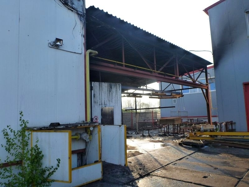 Vikýřovice - požár lakovny zdroj foto: HZS Olk.