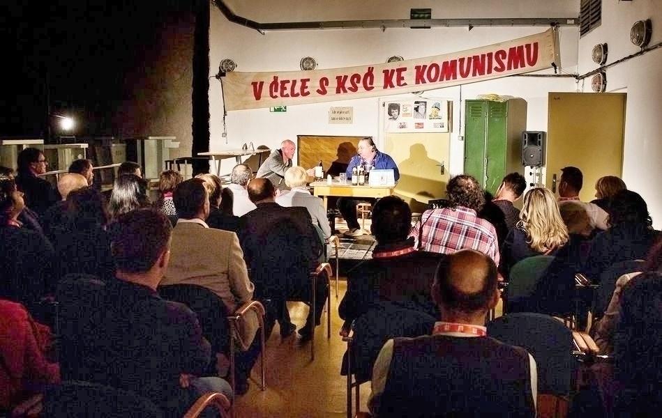 Audience v podzemí Dlouhých strání zdroj foto: V. Sobol