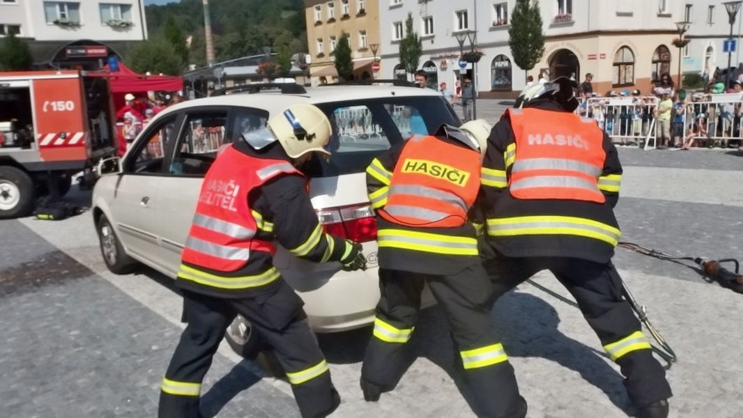 Jeseničtí hasiči oslavili šedesátiny zdroj foto: HZS Olk