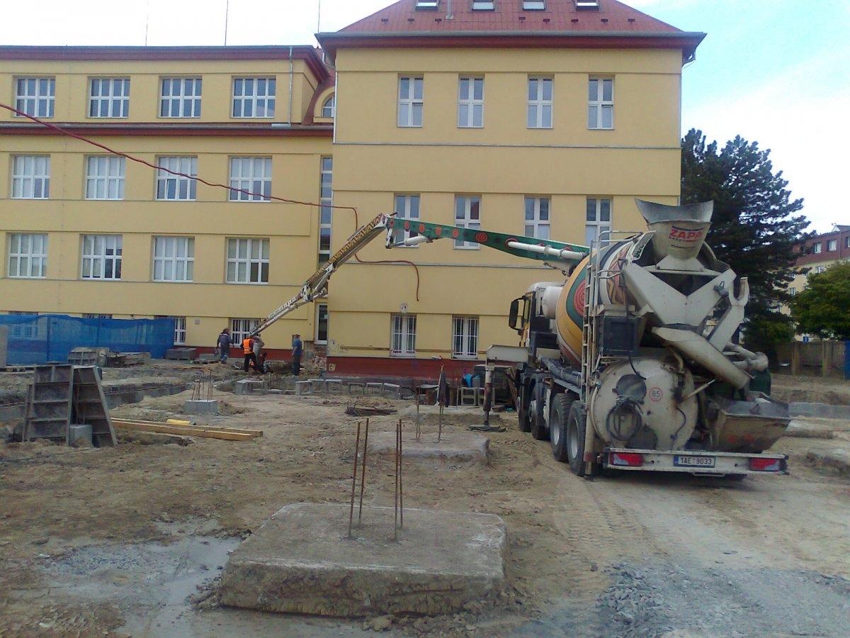 Stavební práce a rekonstrukce objektů se o prázdninách rozjedou naplno zdroj foto: Olk.