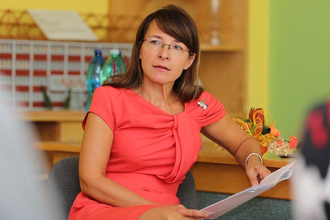 Mgr. Irena Jonová - ředitelka Střední školy železniční, technické a služeb v Šumperku foto: sumpersko.net