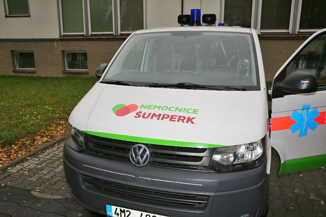 Nemocnice Šumperk - pacienti si mohou objednat sanitku na bezplatné lince 800 100 661 zdroj foto: sumperko.net