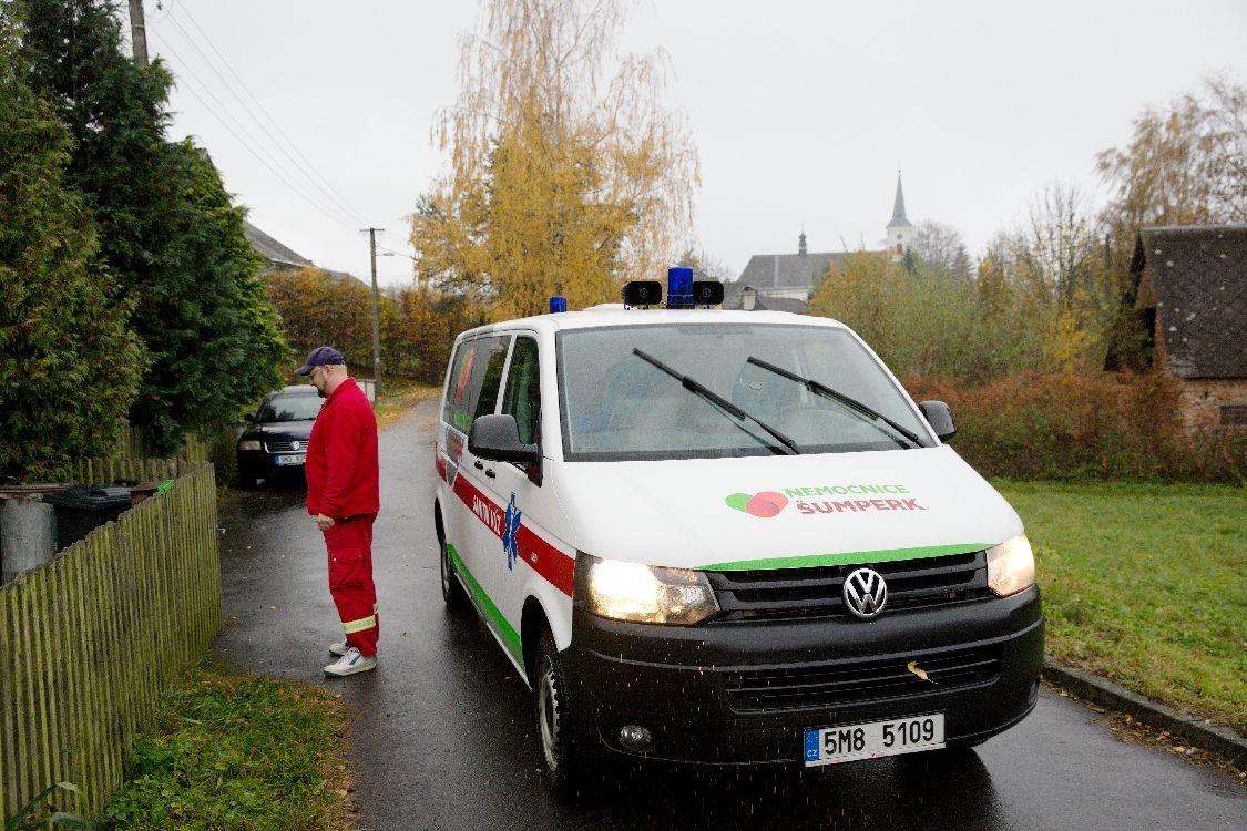 Šumperk - řidiči sanitních vozidel foto: šumpersko.net
