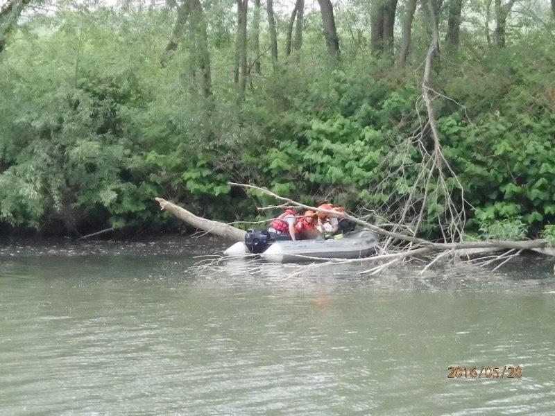Troubky - tele si šlo zaplavat do Bečvy zdroj foto: HZS Olk
