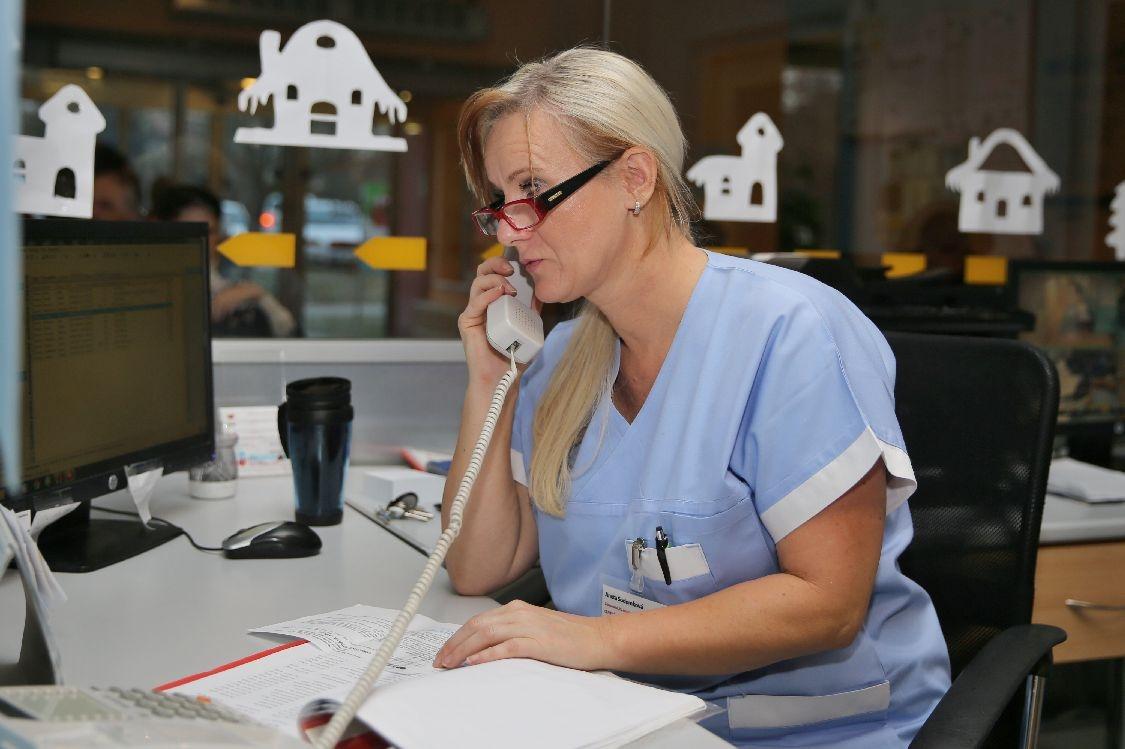 pracovnice recepce centrálního příjmu; foto: šumpersko.net