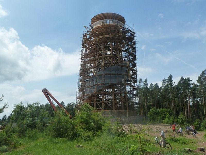 stavba rozhledny Velký Košíř zdroj foto: Mikroregion Košířsko