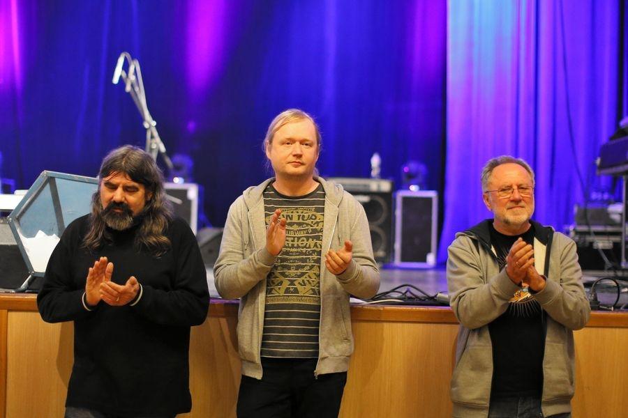 dramaturg festivalu Ondřej Bezr (uprostřed) foto: sumpersko.net