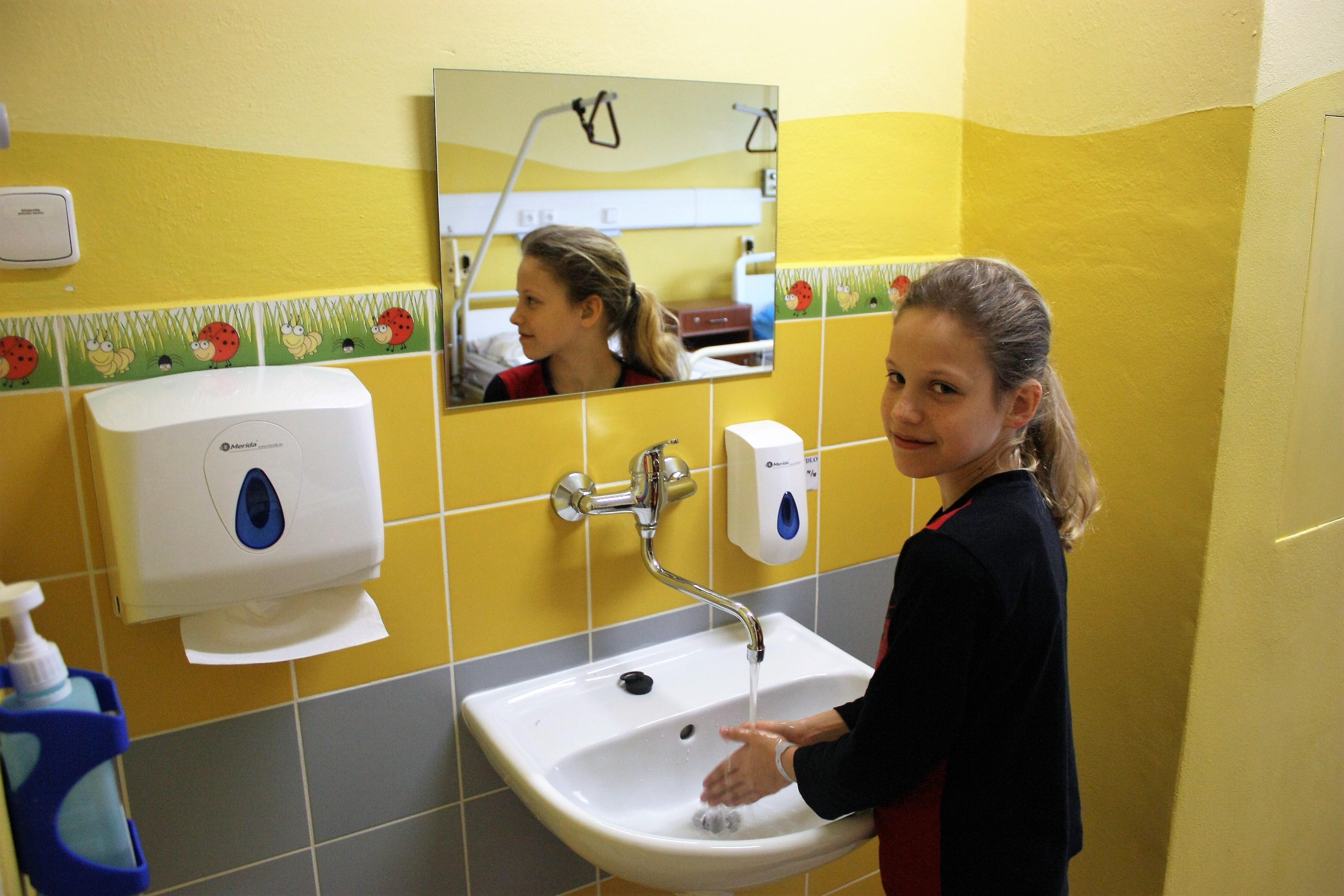 Na pokojích nechybí ani nové obklady s dětskými motivy foto: T. Bulková, Nemocnice Šumperk.