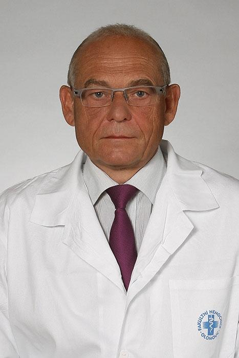 Přednosta kliniky: prof. MUDr. Josef Zadražil, CSc. zdroj: FNOL