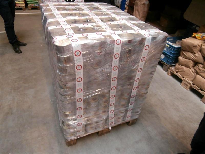 zajištěná zásilka padělků paštik zdroj foto: Generální ředitelství cel
