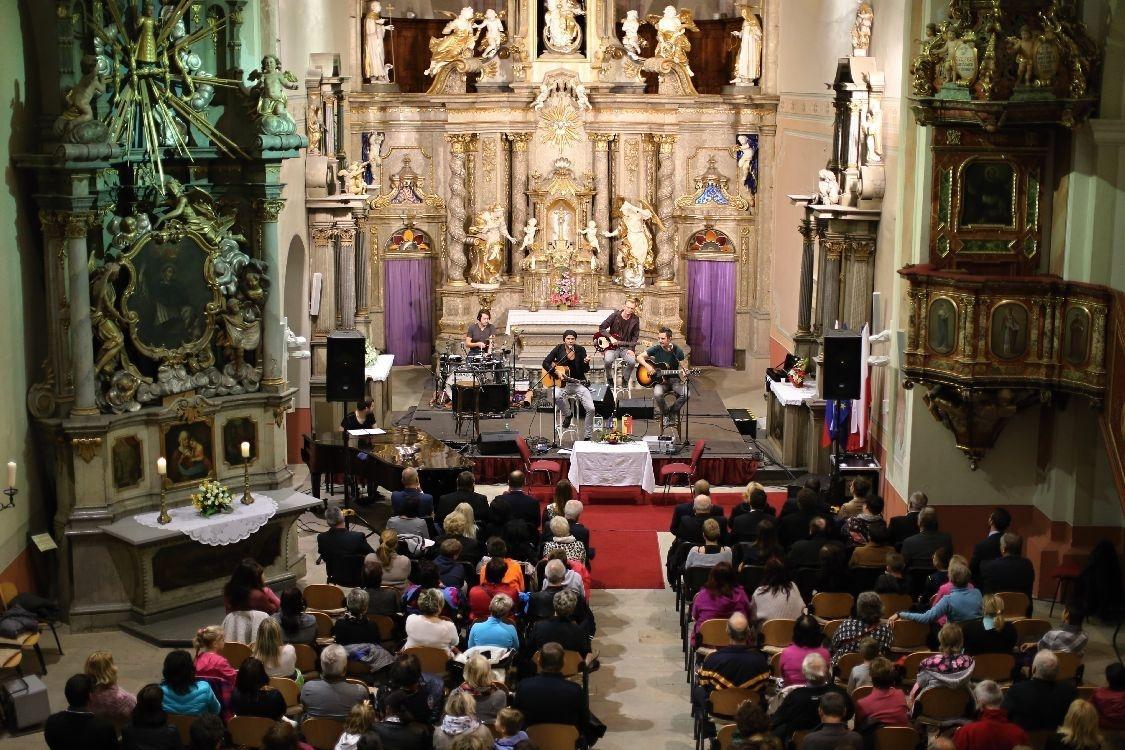 Klášterní kostel v Šumperku se stal místem, kde se prohloubilo přátelství foto: archiv sumpersko.net
