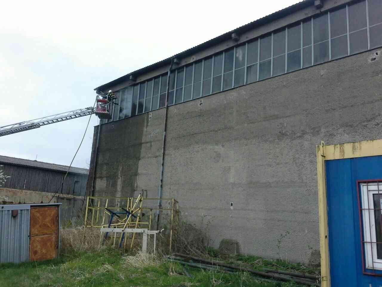 Javorník likvidace požáru skladovací haly zdroj foto: HZS Olk