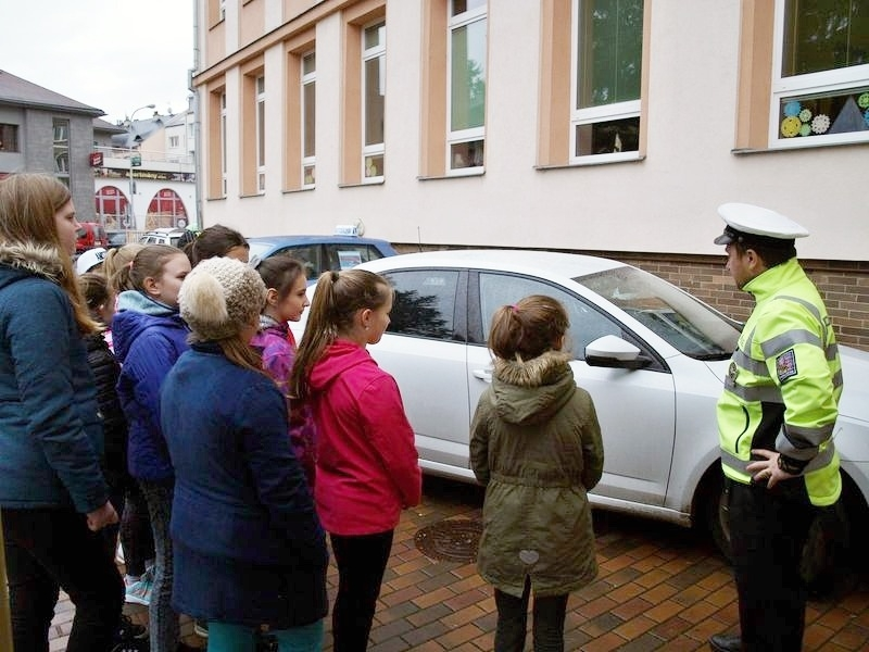 Šumperk - dopravně bezpečnostní akce pro školáky zdroj foto: PČR