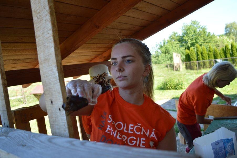 Na ranči šumperské Pomněnky pomáhali dobrovolníci zdroj foto: V. Sobol