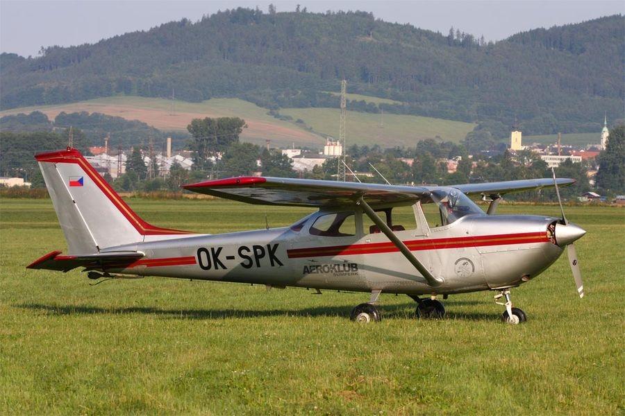 Cessna FR 172 F Rocket pro výcvik a turistiku zdroj foto:vmš