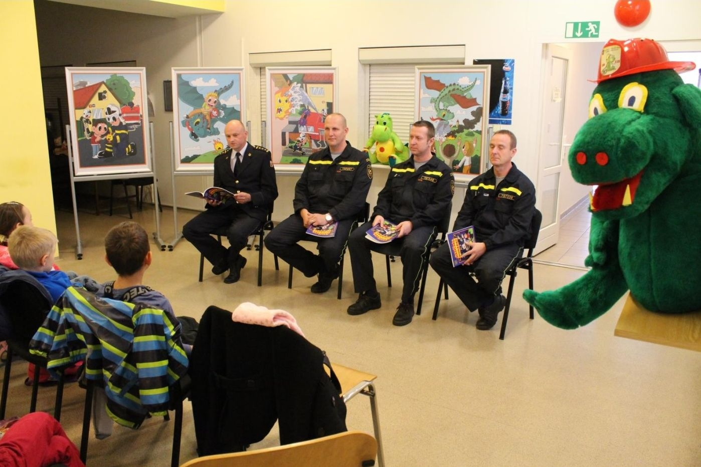 čtení hasičských pohádek v Olomouckém kraji zdroj foto: HZS Olk