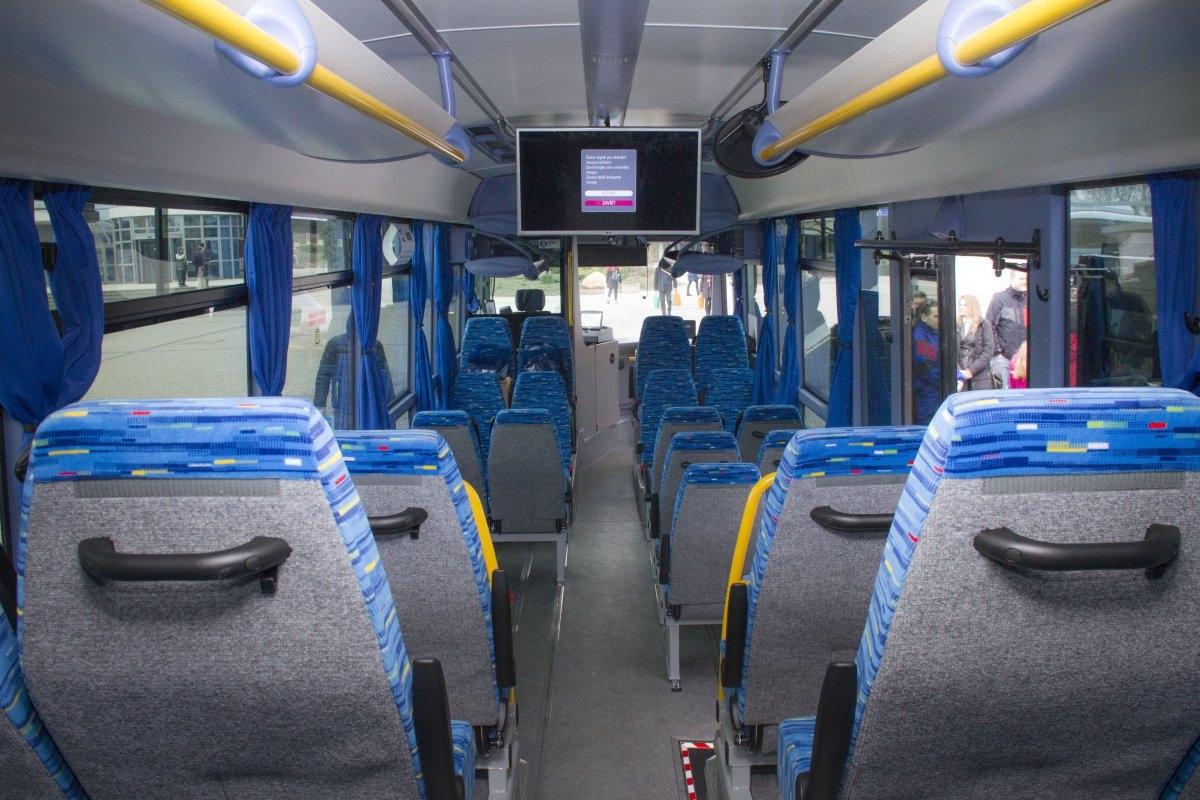 Krajský autobus se během necelého půl roku osvědčil zdroj foto: Olk