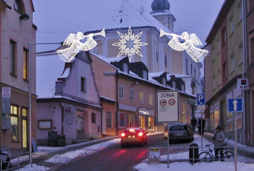 Zábřeh - vánoční výzdoba - vjezd na Masarykovo náměstí zdroj foto: muz stĂ