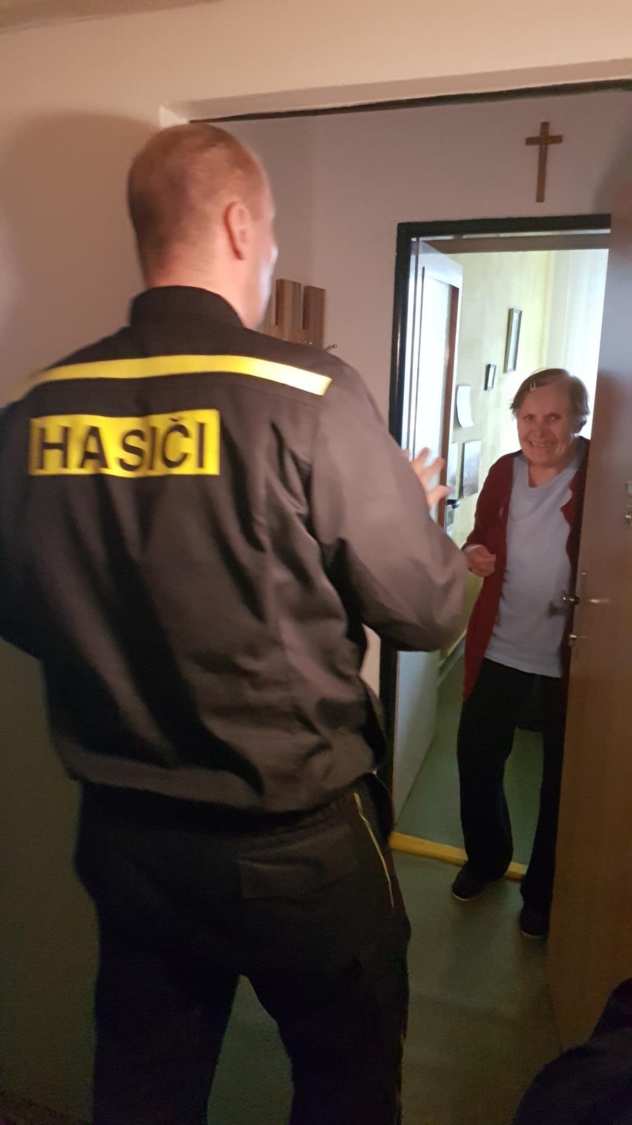 Hasiči letos do bytů v Olomouci nainstalovali 268 detektorů zdroj foto: HZS Olk