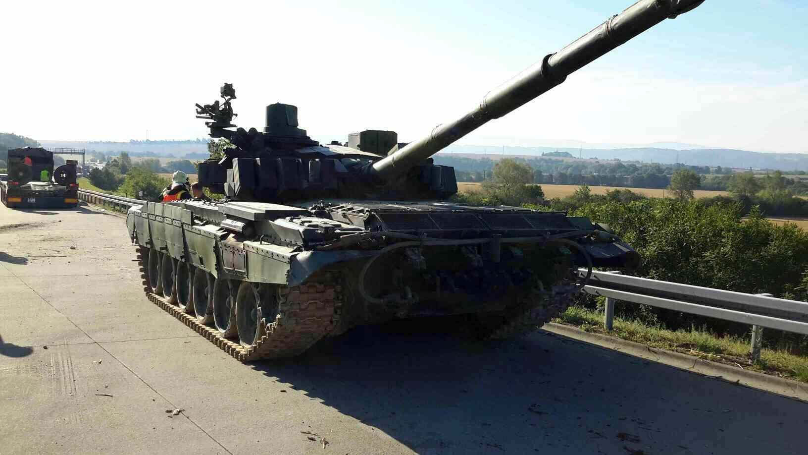 tank na D35 zdroj foto: HZS Olk