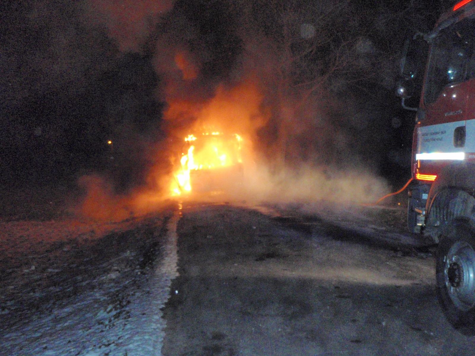 Bezděkov - požár autobusu zdroj foto: HZS Olk