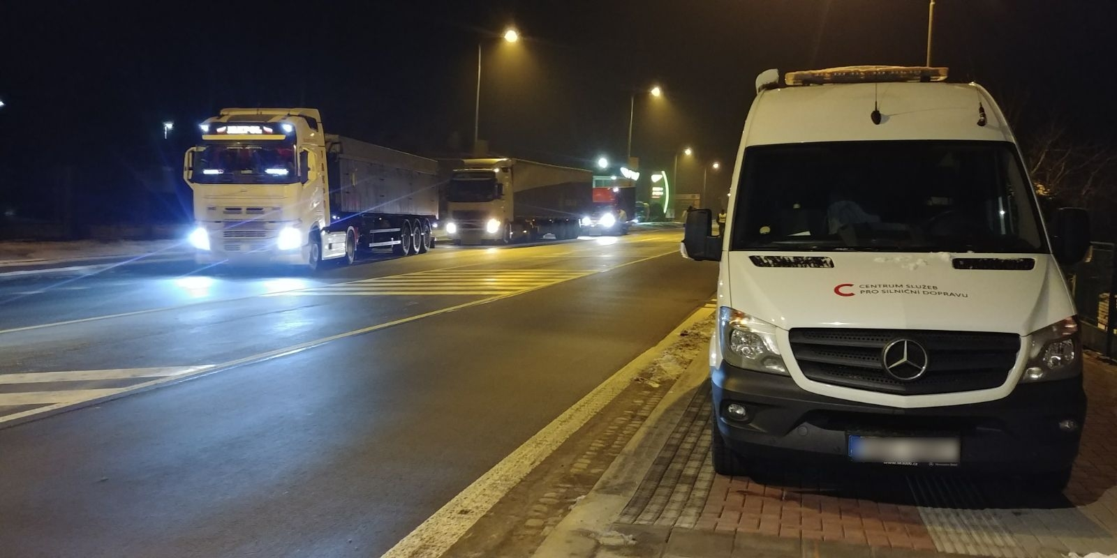 Mohelnice - kontrola kamionů zdroj foto: PČR