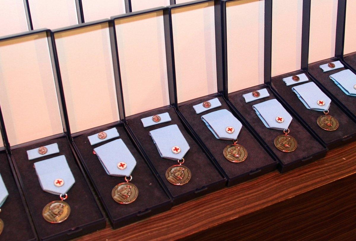 V kraji jsou noví držitelů Stříbrné medaile profesora Jana Janského zdroj foto: Olk