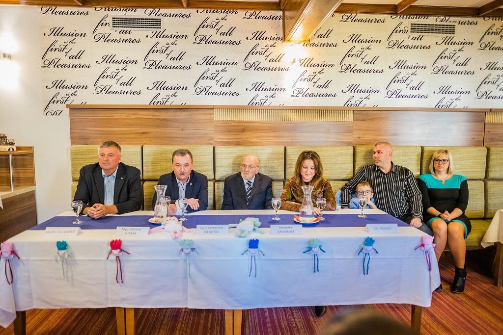 Tisková konference zleva Ivo Mareš, Dalibor Horák, Karel MornsteinZierotin, Veronika Zahorská, Frankovi foto: M. Cikryt