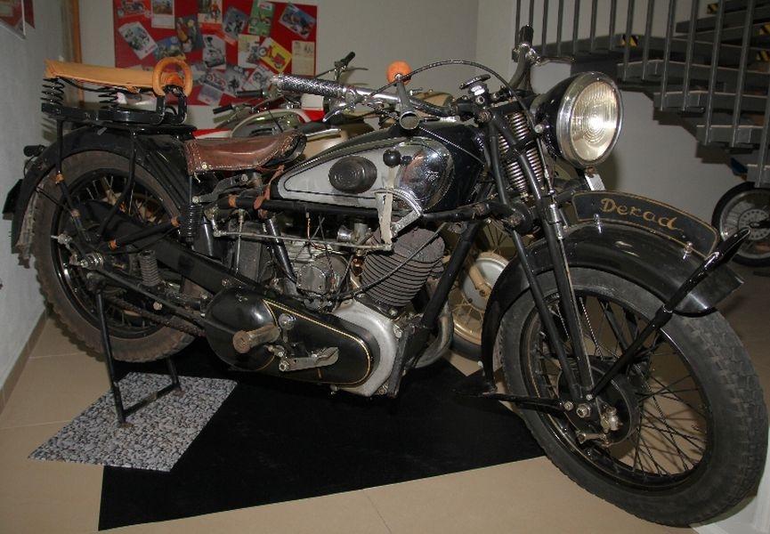 Historické motocykly zdroj foto:sumpersko.net